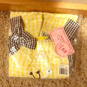 "Nannette 2 piece ""bee"" set! NWT"